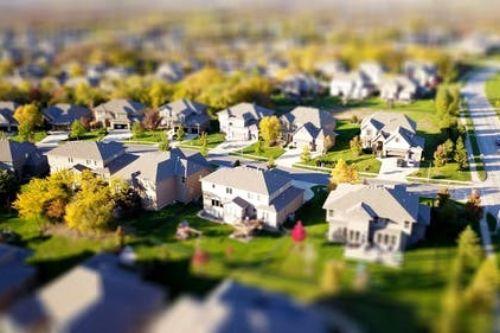 Куда вкладывать  деньги в условиях кризиса.  Банки, недвижимость или золото?
