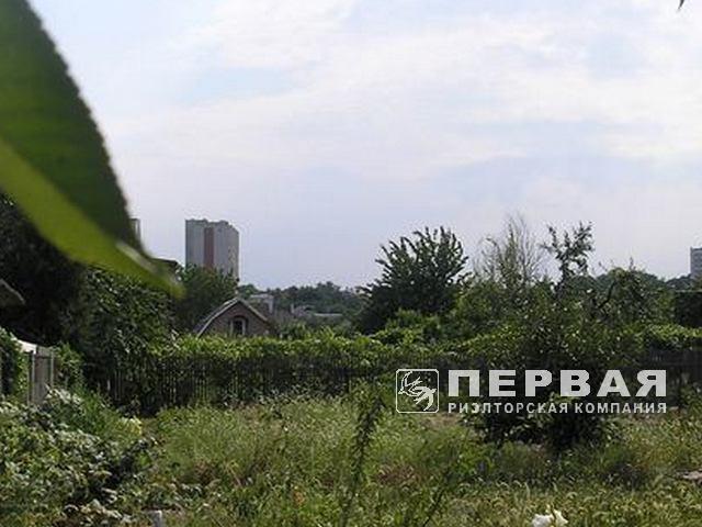 Plot 5 acres in the area 16 stantsiya. V. Fontana