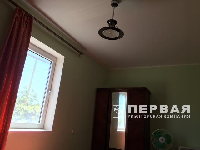 Сухой лиман, 2-х этажный кирпичный дом в кооперативе «Меркурий».