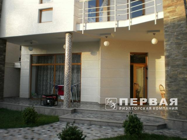 Elite house in a closed co-op for sale. 13 stantsiya Velikogo Fontanu.
