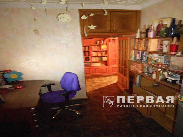 2-кімнатна квартира в добротному будинку в центрі
