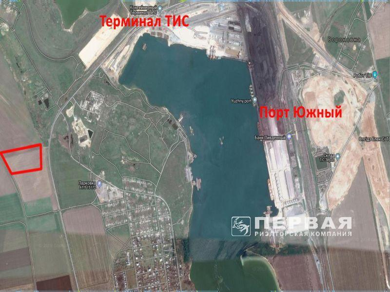 Site near the port of South, 8.14 hectares