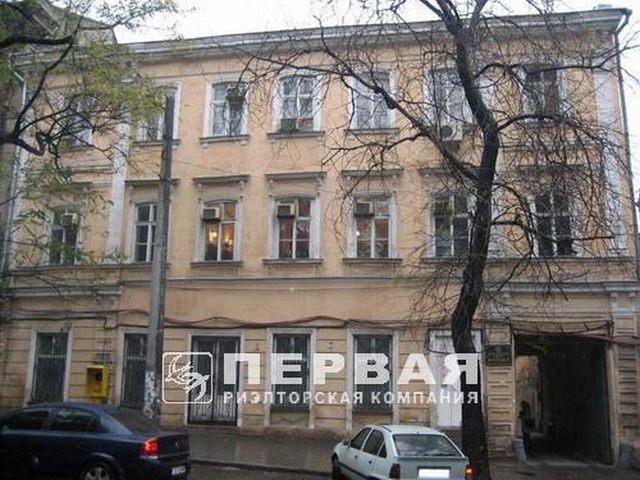 Sale of a building in the center of Odessa, St. Shchukovskiy