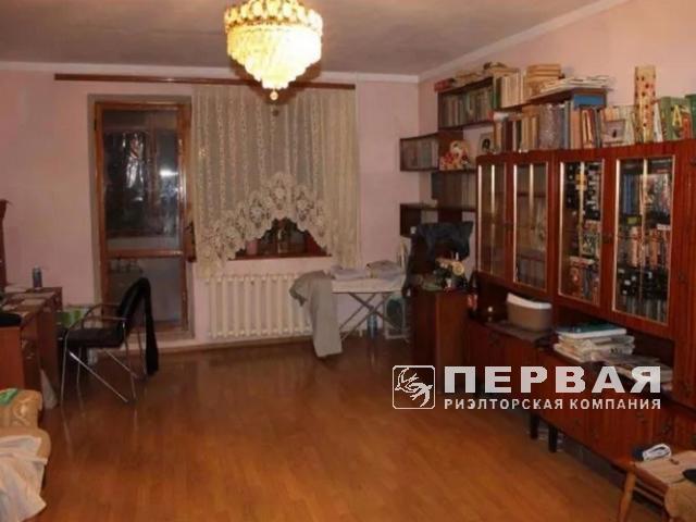 Большая, делимая  квартира в кирпичном доме на ул. Королёва.