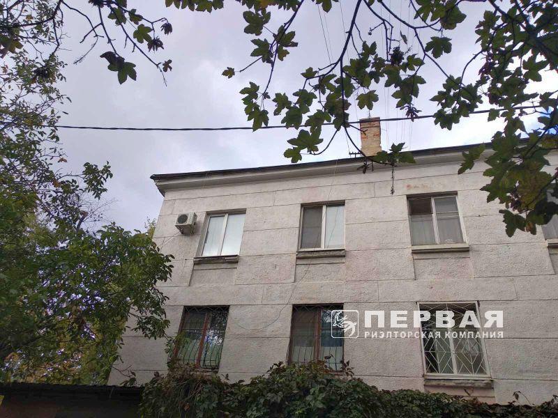 3-room apartments Stalinka. Admiralskiy prospekt.