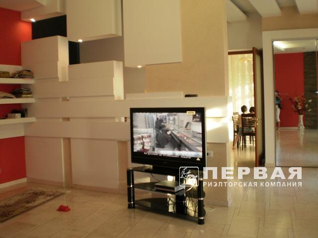 Elite house in a closed co-op for sale. 13 stantsiya Velikogo Fontanu.