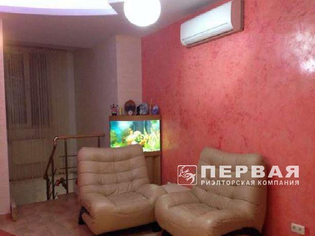 """3-х кімнатна квартира. """"Сталінка"""". Відремонтована."""