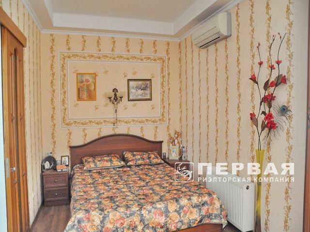 """""""Бабка"""" Люстдорф Road, 3-кімнатні апартаменти з дорогим ремонтом."""