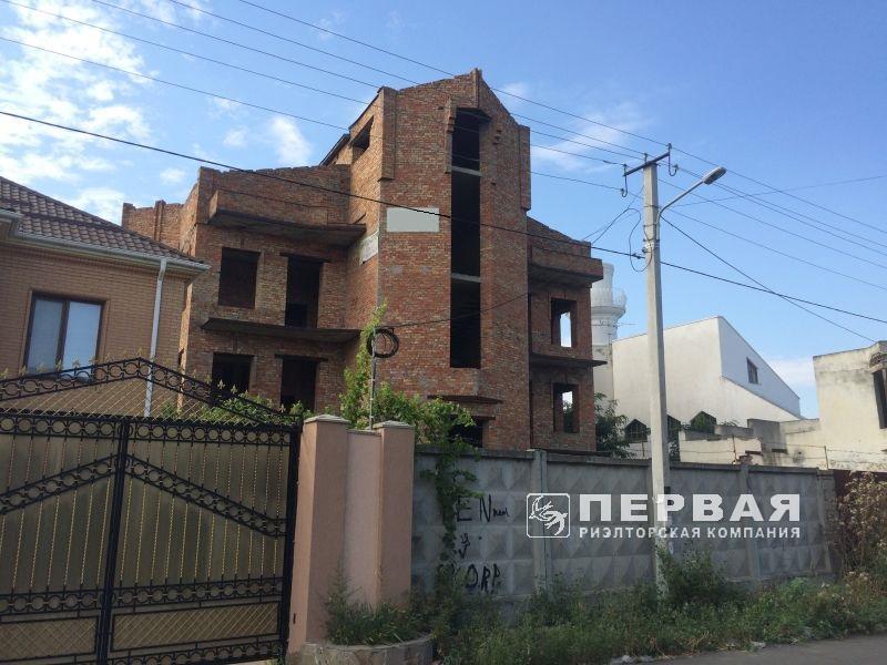 4-х этажное здание под мини-гостиницу. Черноморка.