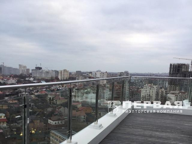 "Great 2-bedroom. Apartment Residential Complex ""Gol'fstrim"""