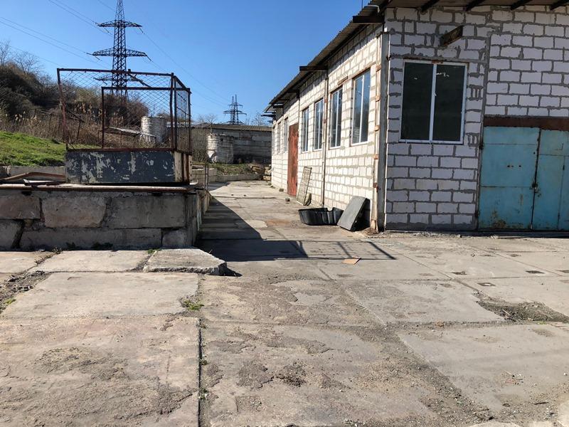 Виробниче приміщення 1700 кв вул. Вапняна