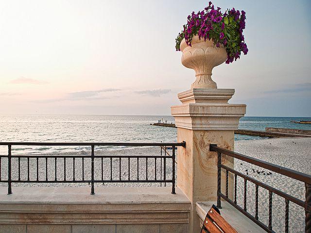 Элитный коттедж в Одессе у моря. Клуб-резиденция «Золотой Берег»