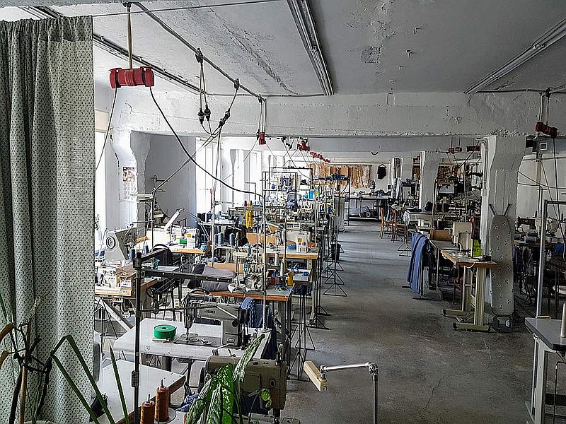 The room is 250 sq.m under the sewing workshop, small production