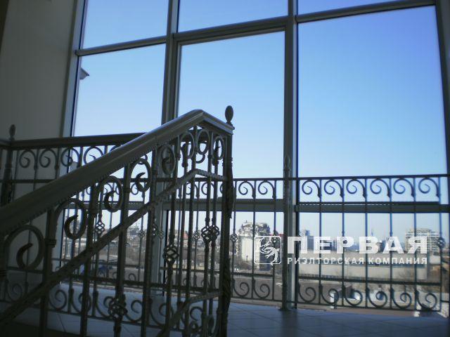 Аренда офиса в бизнес-центре Наполеон.