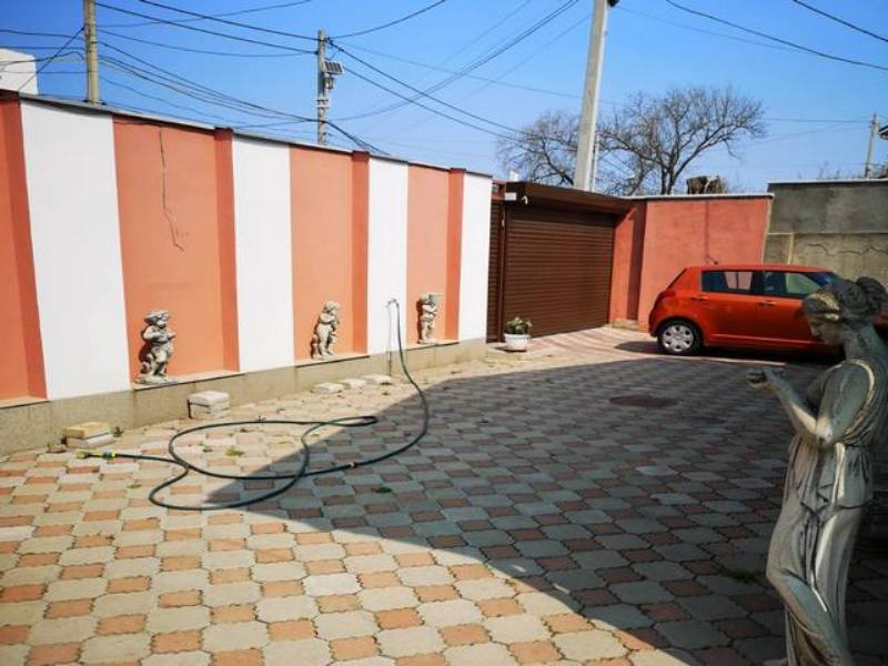 Kostandi / per. Garshina. One-storey house of 200 sq.m.