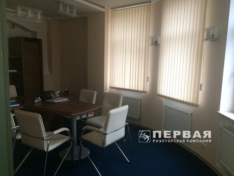 Офіс в новому будинку на пр. Шевченка / Шампанське пров.