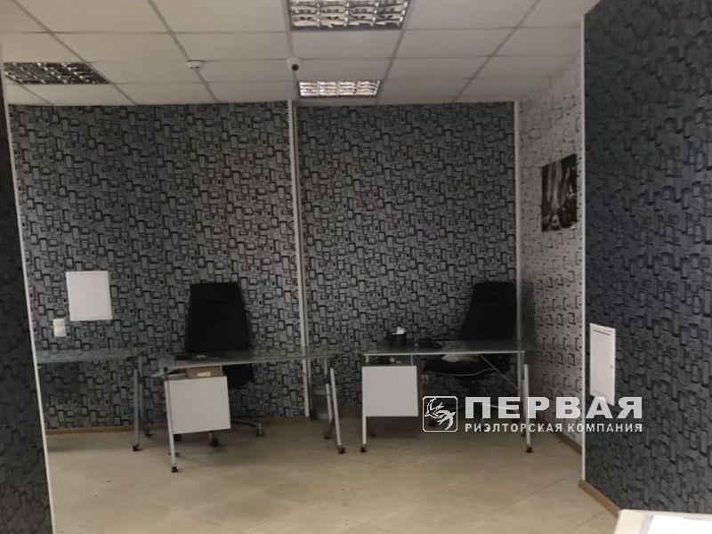 Оренда офісу на вул. Ак. Корольова / вул.Інглезі 200 кв.м