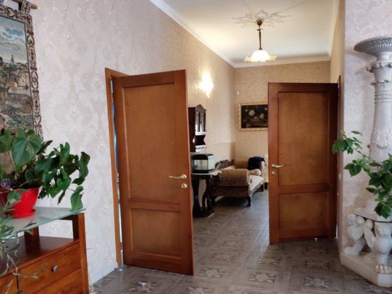 Костанди/ пер. Гаршина. Одноэтажный дом 200 кв.м.