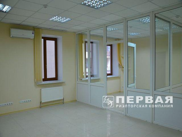 Rent an office in the center of the city in a new house on the street of Shchukovskiy/Polish.