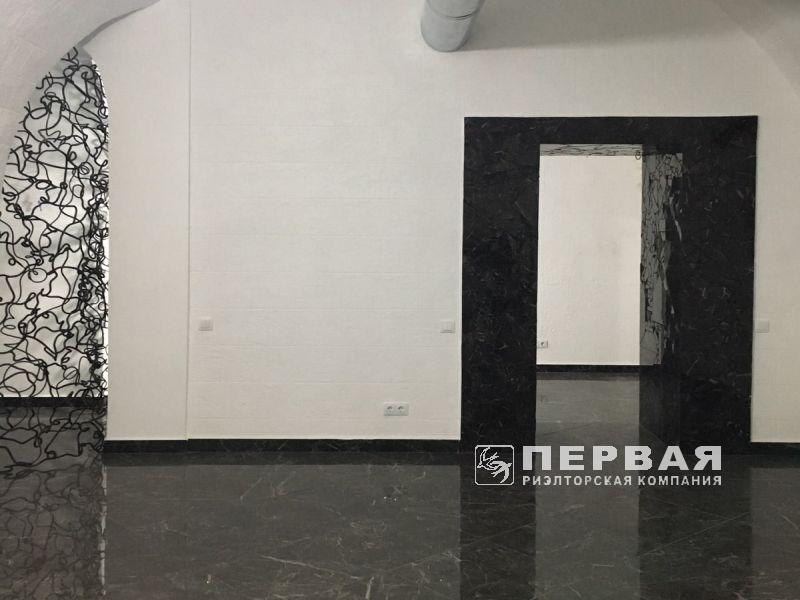 Rent a room on Havana / Deribasovskaya for a shop, office, office.