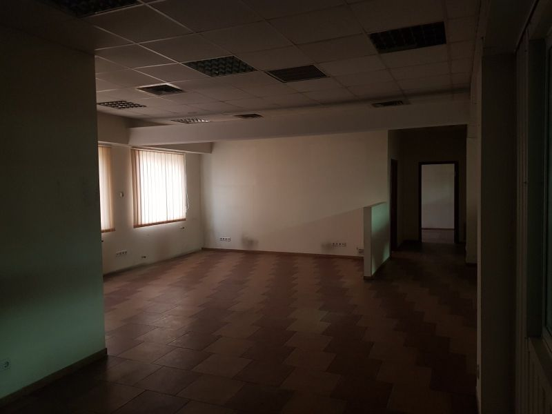 Складское помещение на ул. Локомотивная. Кран-балка.