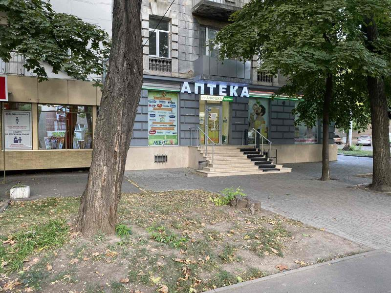 Shop on Shevchenko avenue / Dovzhenko 84 sq.m