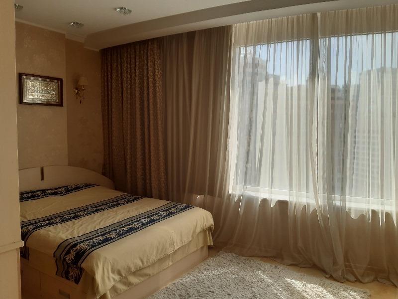 3-х кімн. квартира 180кв. м з ремонтом в Аркадії.