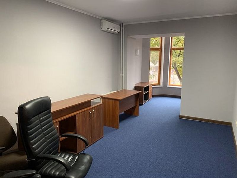 Office in Arcadia 156 sq m with furniture