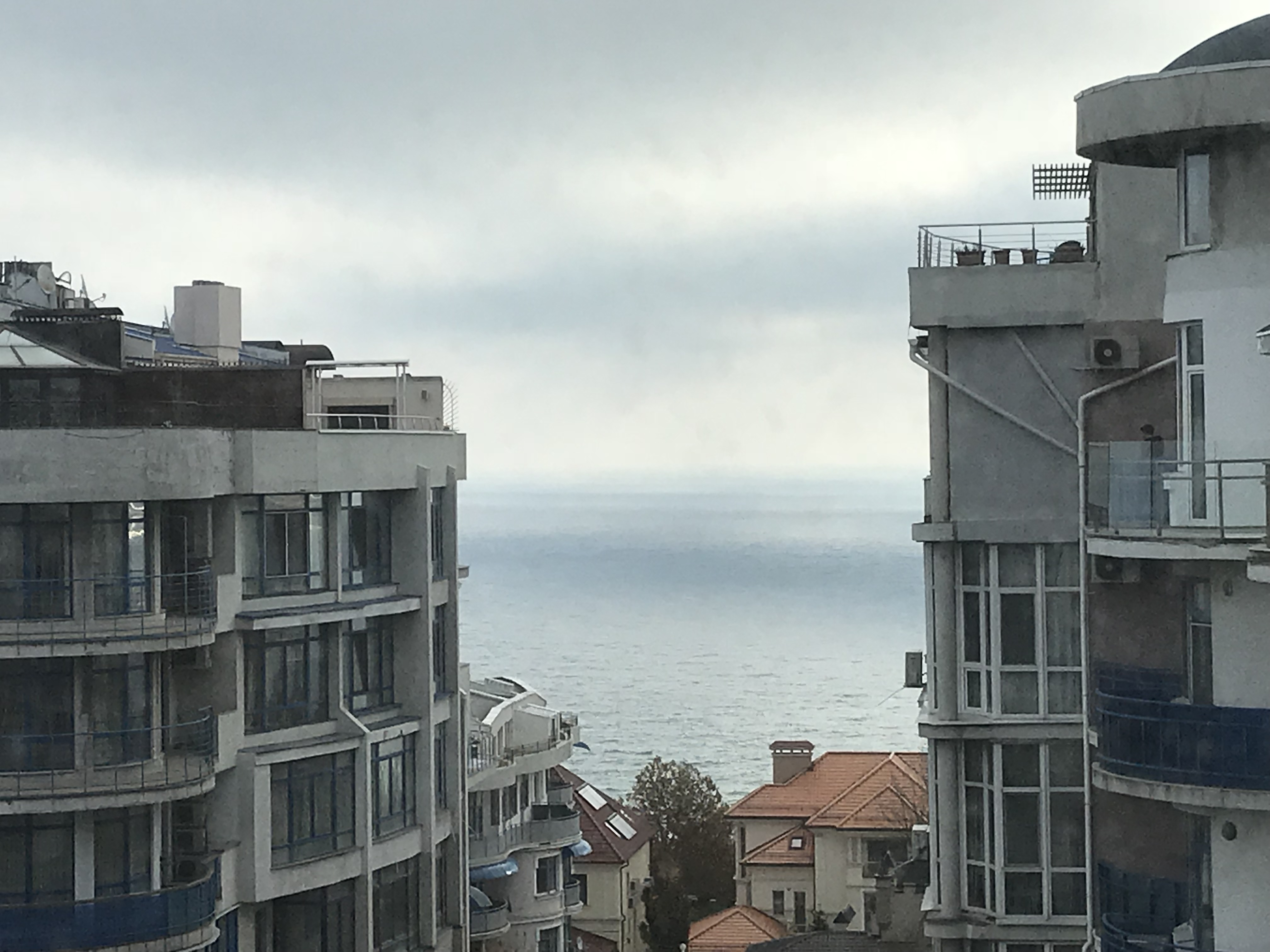 3-room apartment, Mukachevskyi lane. Sea view.