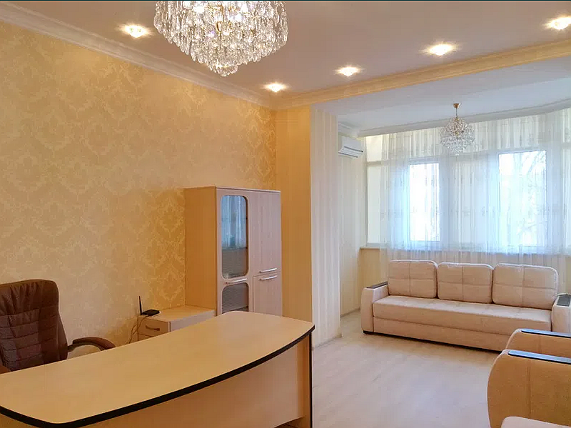 Rent 4 rooms in an elite house on Frantsuzskiy Boulevard