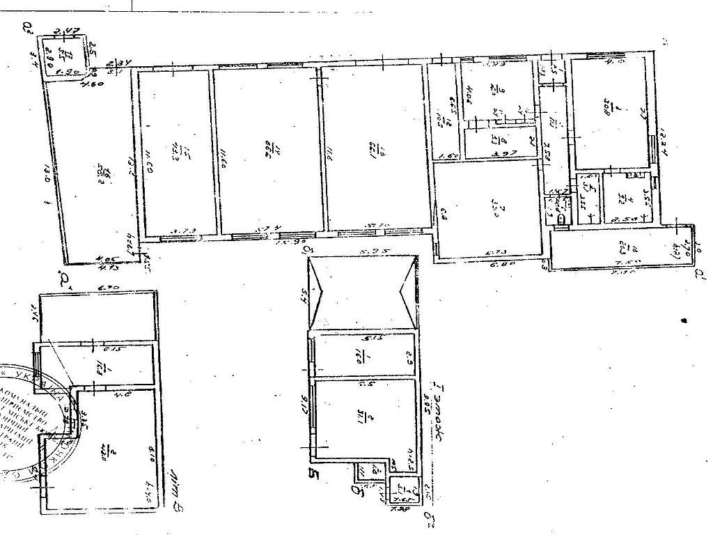 Майновий комплекс на території 32 сотки