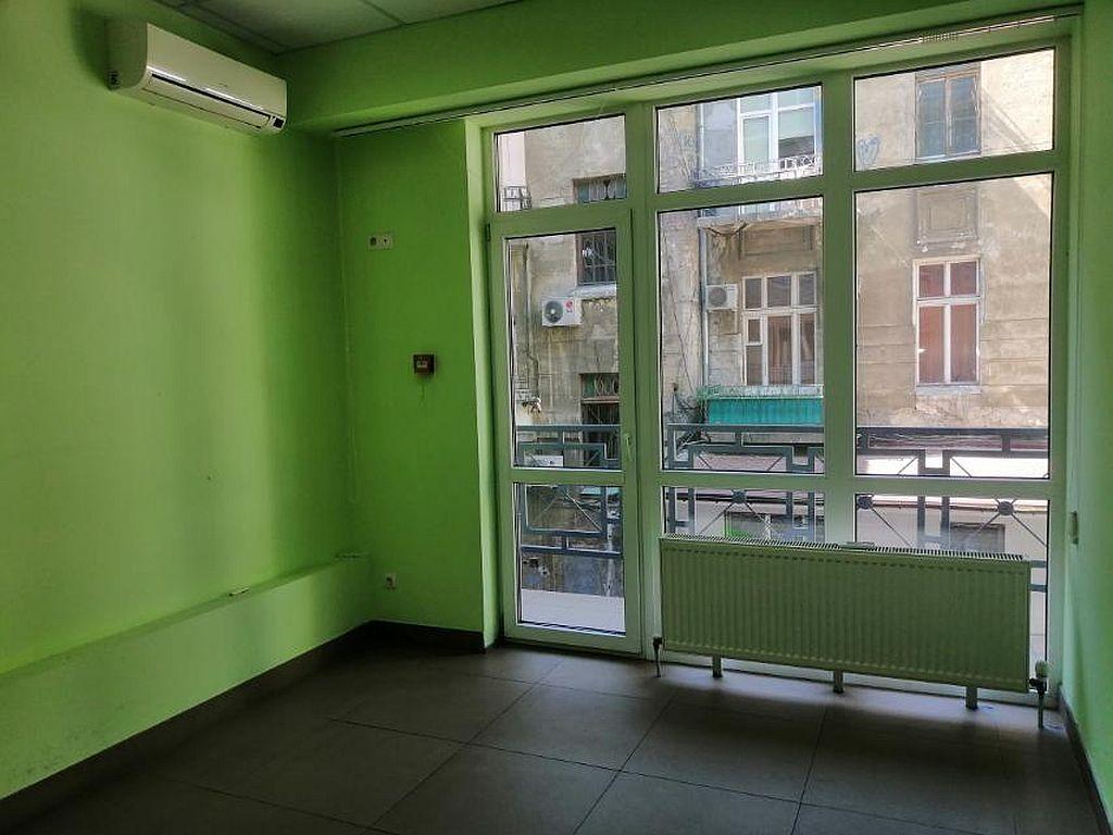 The office on Troyitsʹka / Rishelʹyevsʹka st. 170 sq. m