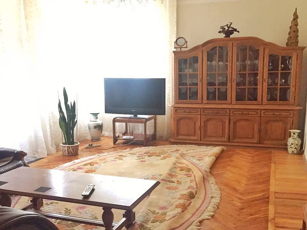 4 com.apartment on French Boulevard