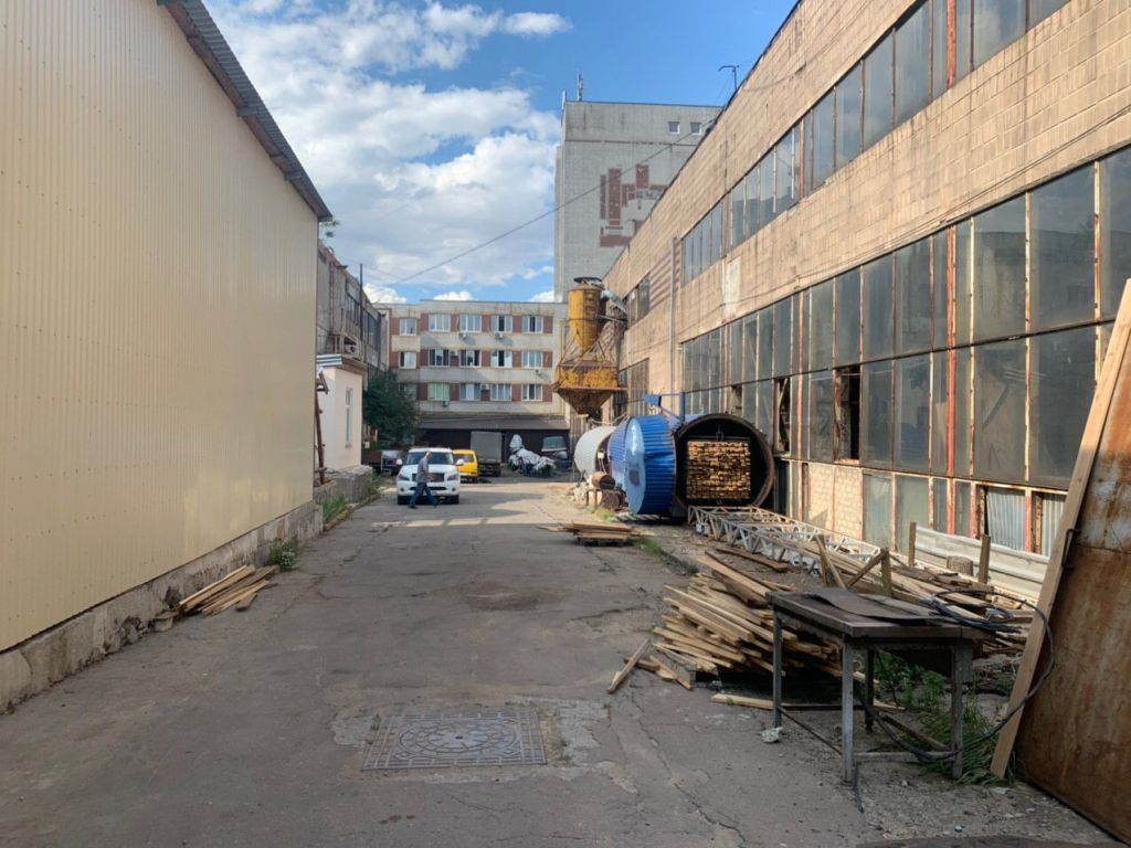Помещение под склад или производство. Ул.Бугаевская. 8