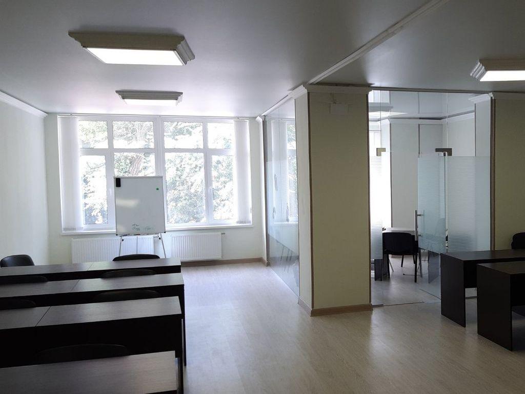 "Офис 95кв.м на Французском бульваре ЖК ""Париж"""