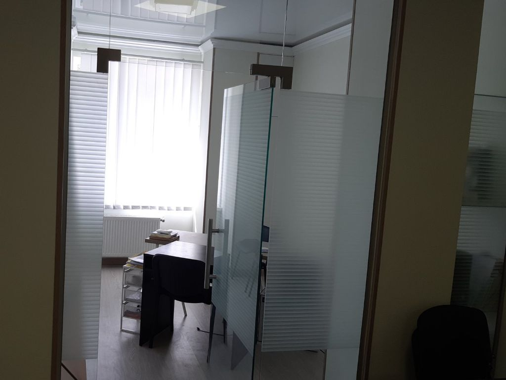 """Rent office 95sq.m on The French Boulevard in the """"Paris"""" LCD"""