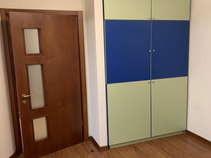 Простора 2-х кімнатна квартира 74 кв.м. на вул. Тополева
