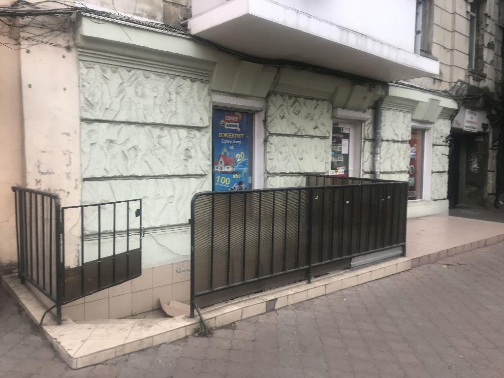 Мала Арнаутська 51. Фасадне приміщення