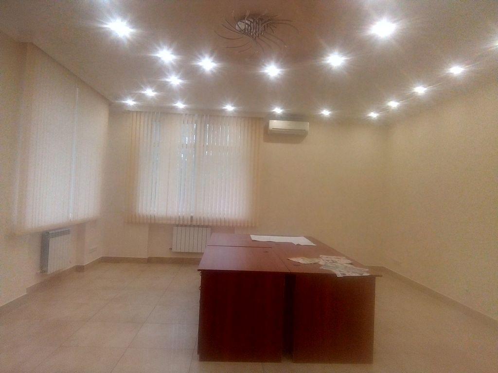Фасадный офис на Французском бульваре /Довженко 152кв.м