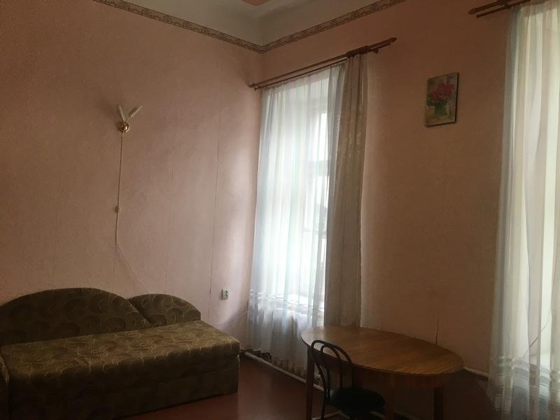 Комната в коммуне на ул. Бунина