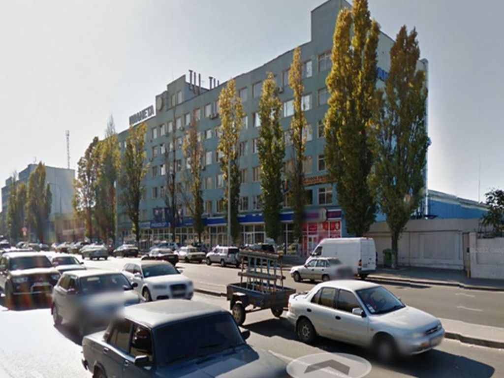 Business center for shops, offices. St. Balkovskaya