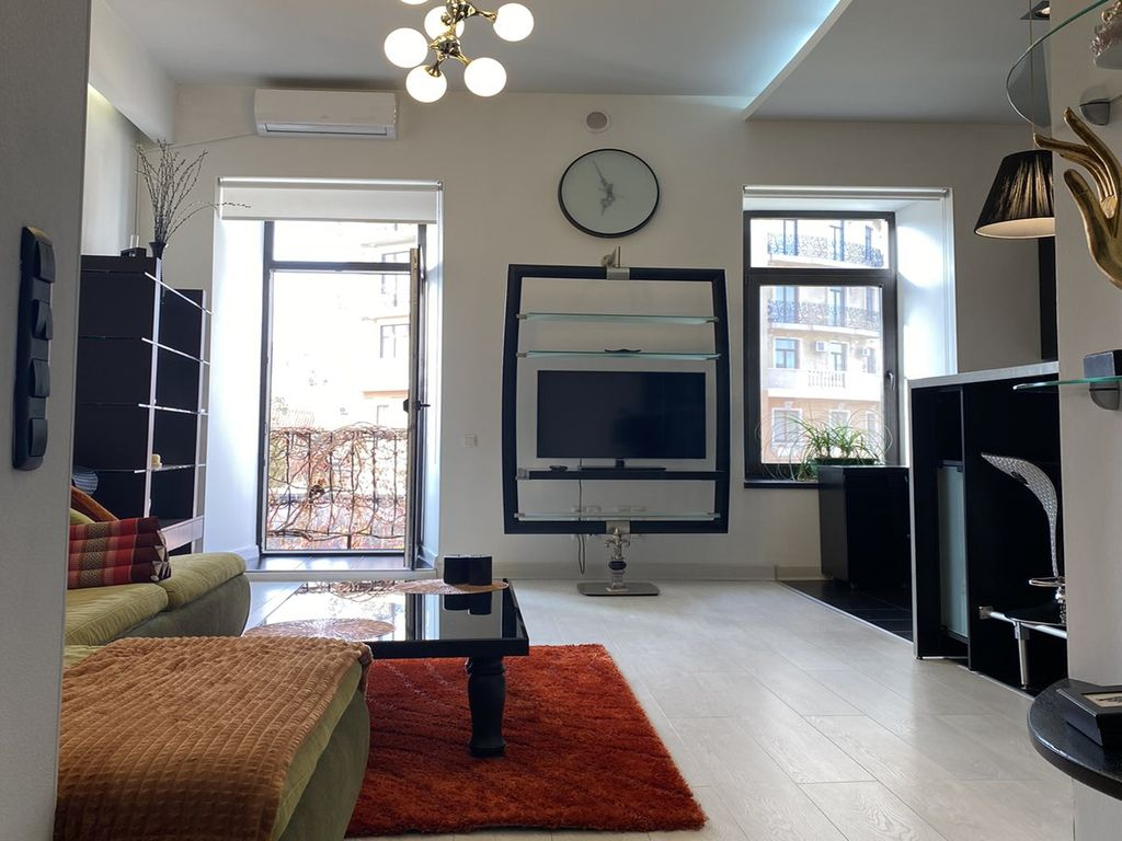 Rent a stylish studio-bedroom at Ekaterininskaya square
