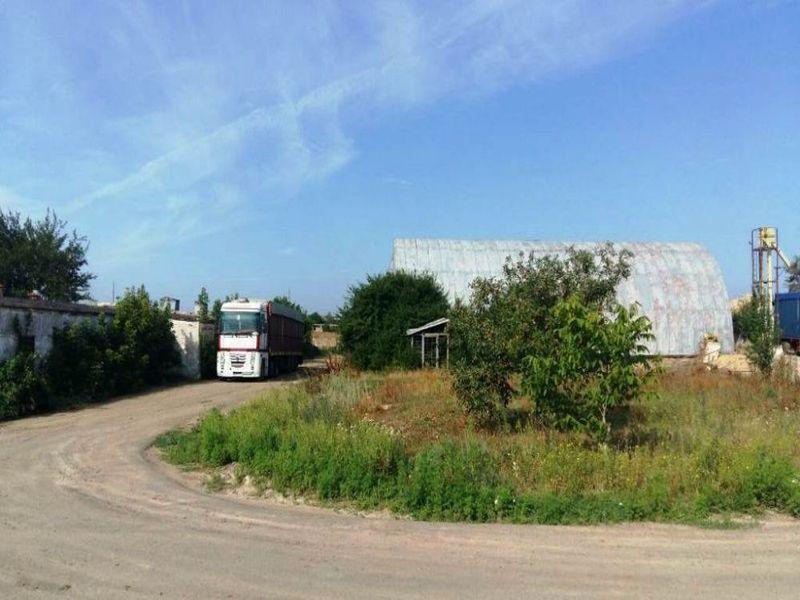 Производственная База в поселке Большой Дальник.