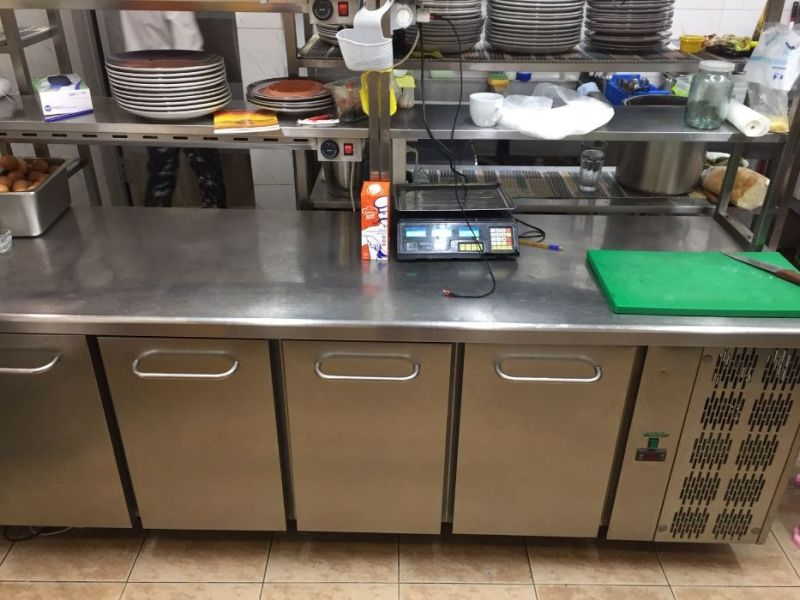 Rent of premises for a restaurant / cafe in Arcadia. With equipment