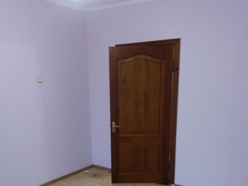 2-room renovated apartment on the street. Ak. Queen