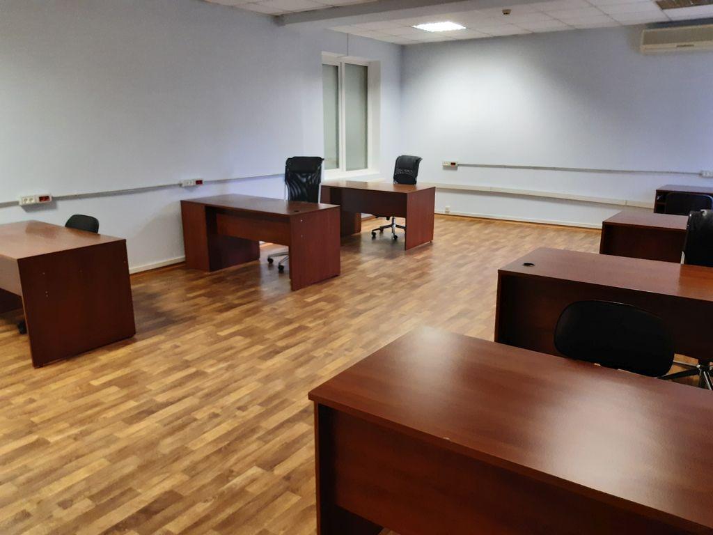 Office rental in a mini office center. Lyustdorfskaya road