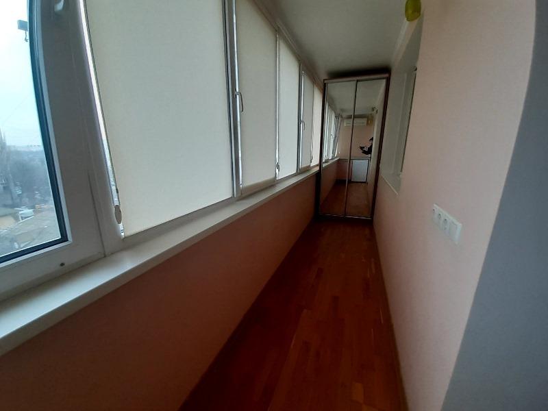 2-room apartment 6 Bolshoi Fontana station.