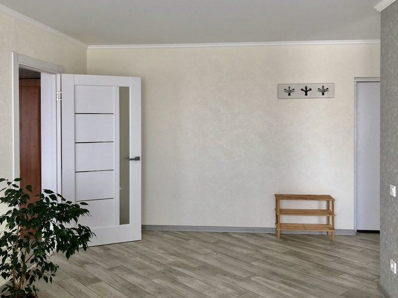 2-х комнатная квартира с ремонтом на Школьном