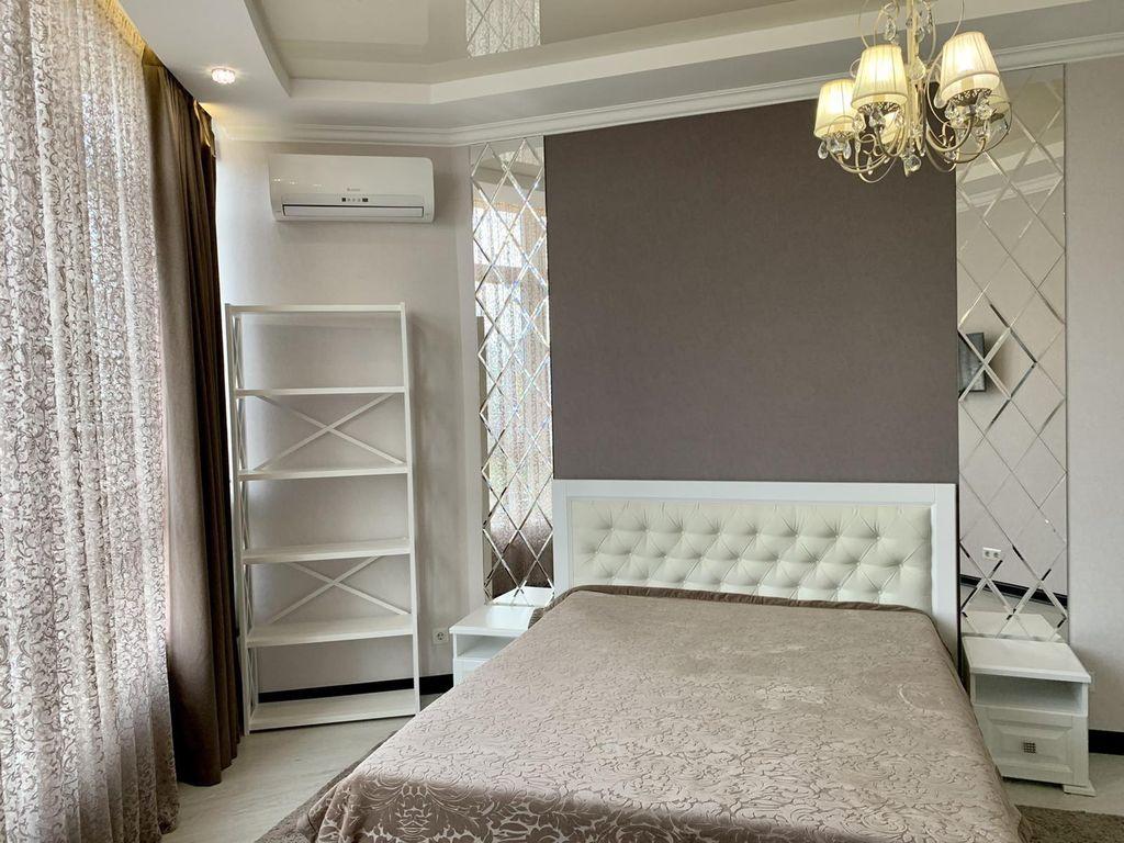 Оренда 4-х кімнатна квартира в ЖК Французький