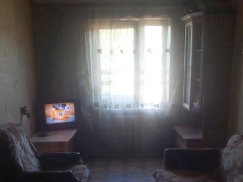 Комната в коммуне на Адмиральском проспекте.